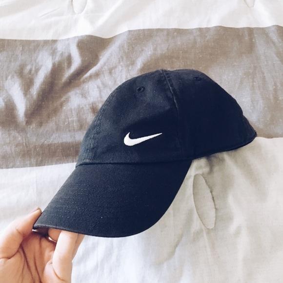 Nike Hat Black Half Cap. M 5bae97f50cb5aa29ed7d02ea c3b4d9aef3f